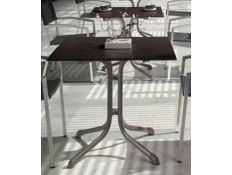 TABLE DRAVELUOB IV