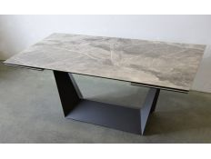 DINING TABLE FEBE