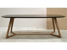 DINING TABLE EIZUS