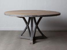 ROUND TABLE QALKM